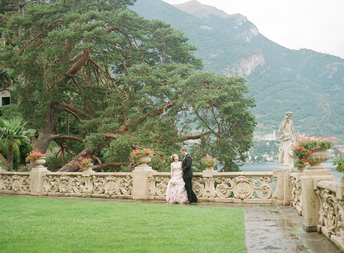 Destination Wedding photography in lake como